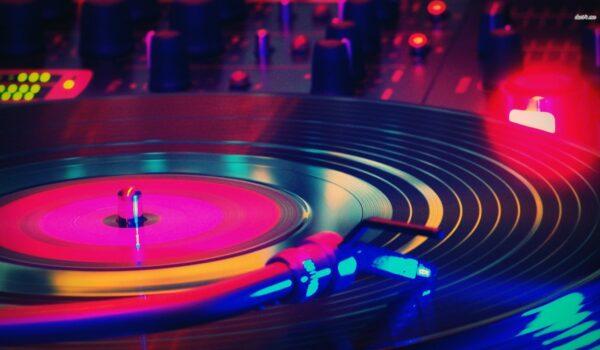 Dj Jaz & Lady Ans Live & op Verzoek